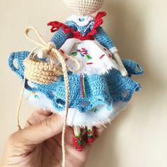 Amigurumi doll dress by @kukukolki via ink361.com on Instagram. (Inspiration).