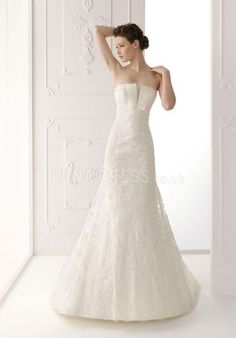 Beatutiful Strapless A line Lace Spring Court Train Wedding Gown With Beading