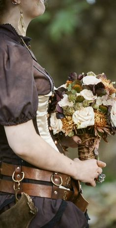 #steampunk bouquet... Wedding ideas for brides, grooms, parents & planners ... https://itunes.apple.com/us/app/the-gold-wedding-planner/id498112599?ls=1=8 … plus how to organise an entire wedding, without overspending ♥ The Gold Wedding Planner iPhone App ♥