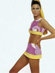 Photo by Richard Avedon 1967 Emilio Pucci Vogue Italia