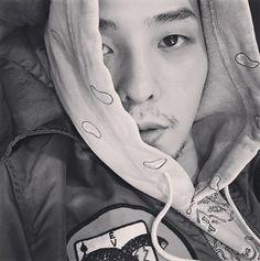 「BIGBANG」G-DRAGON、髭を生やしても魅力満点…「おじさん(アジョシ)だ」