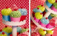 leuke traktatie: cupcakes van bakje met popcorn