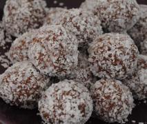 Sugar free chocolate balls