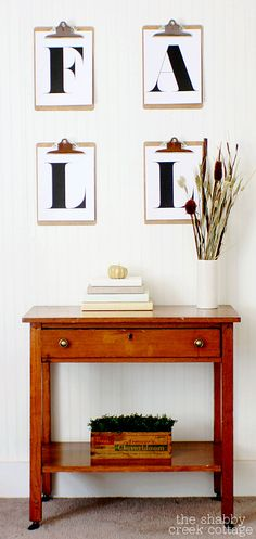 Vintage Style Fall Vignette (over entryway table)