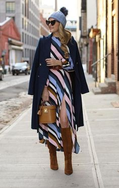 Blair Eadie of Atlantic-Pacific showcasing colored tights. Click through for ideas of how to wear and style colored tights this season! Fashion Mode, Fast Fashion, Fashion Outfits, Atlantic Pacific, Winter Looks, Autumn Summer, Autumn Winter Fashion, Winter Dresses, Winter Outfits
