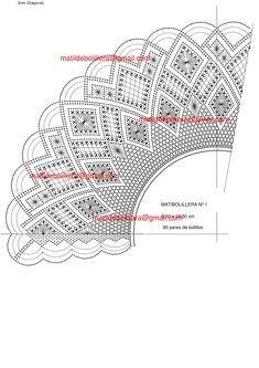 ABANICOS - Página web de matibolillera Bobbin Lace Patterns, Crochet Patterns, Lacemaking, Needle Lace, Tatting, Hello Kitty, Design, Bobbin Lace, Hand Fans
