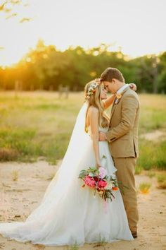 Rustic country fall Wedding photo pose ideas