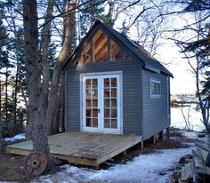smallandtinyhomeideas:  150 sq. ft. Studio by wednesdave