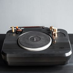 Oswalds Mill Audio - Tourmaline Turntable - www.remix-numerisation.fr