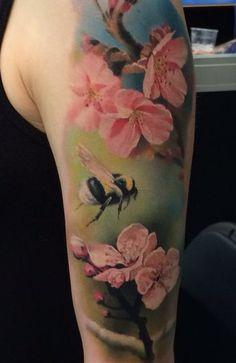 тату цветок с пчелой - Поиск в Google