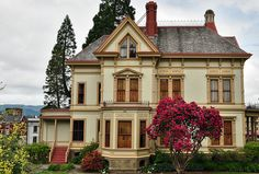 121 Best Queen Anne Amp Victorian Houses Images In 2012