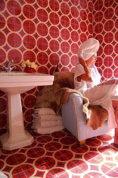 Leven in de badkamer: tegels met een motief - Actief Wonen