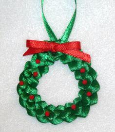 Stashbustin' Ornaments Pt 2 Ribbon Wreath #DIY  #ornament  #gift  #christmas