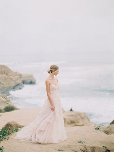Blush coastal wedding inspiration | Photo by Fine Art Photography | Read more - http://www.100layercake.com/blog/?p=74029