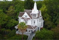 """A """"Practically Magic"""" Victorian House For Sale in Houston Heights - Hooked on Ho. Victorian Homes Exterior, Old Victorian Homes, Modern Victorian, Victorian Interiors, Victorian Houses For Sale, Victorian House Plans, Old Mansions Interior, Old Style House, Practical Magic House"""