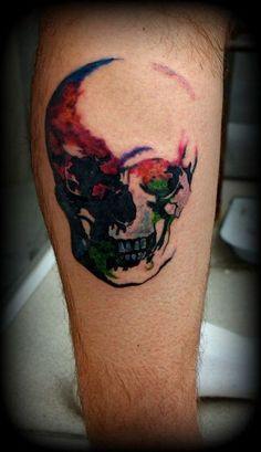 unique Watercolor tattoo - Beautiful watercolor skull tattoo on leg Check more at http://tattooviral.com/tattoo-designs/watercolor-tattoos/watercolor-tattoo-beautiful-watercolor-skull-tattoo-on-leg/