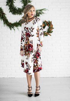 Holiday dress, holiday shoot, strappy heels, floral dress, fashion, shop, style, blonde hair, holiday hair, blonde hair, vivian makeup artist