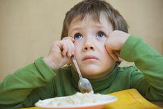 Consequences of forcing a child to eat... Consecuencias de obligar a los pequeños a comer!???   Source: http://www.consumer.es/web/es/alimentacion/aprender_a_comer_bien/infancia_y_adolescencia/2012/12/07/214532.php
