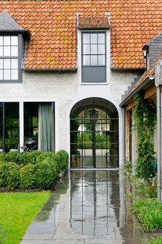 Fabulous realization by Xavier Donck & Partners Architects, Deinze - Belgium