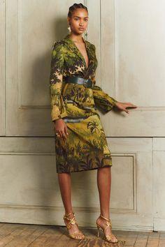 Oscar de la Renta Pre-Fall 2020 Fashion Show - Vogue Fashion Moda, Look Fashion, Autumn Fashion, Womens Fashion, Fashion Tips, Fashion Design, Fashion Skirts, Fall Collection, Fashion Show Collection