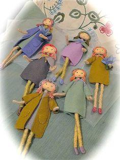 Verity Hope felt doll pattern / bendy doll / by VerityHope on EtsyPattern and tutorial pdf for tapestry yarn doll by Verity Hope. Pattern title - 'ALL GROWN UP'.Nostalgic doll making and Sasha dolls.Hobbies With Animals Yarn Dolls, Felt Dolls, Fabric Dolls, Felt Fabric, Felt Doll Patterns, Doll Making Tutorials, Felting Tutorials, Worry Dolls, Tiny Dolls