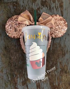 disney cups Authentic Starbucks Reusable Cup (purchased directly from Starbucks with pre-printed Starbucks logo). *An original design created by The Faded Peony! This cup is embellished w Disney Starbucks, Starbucks Logo, Starbucks Tumbler, Starbucks Drinks, Personalized Starbucks Cup, Custom Starbucks Cup, Personalized Cups, Disney Cups, Disney Snacks