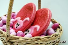 Galletas decoradas Pascua huevos rosas Decorated cookies easter pink eggs chicuqui.com