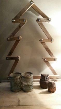 Kerstboom vleugelmoeren stoer Scandinavisch