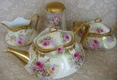 China Show'N'Tell ~~ Teapot & Creamer Set:))