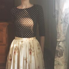 archiverieCloseup of the details of this (half) #vintageootd (skirt from @adoredvintage )