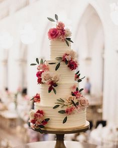 Gorgeous wedding cake inspiration Must see these Gorgeous wedding cakes have got a wow factor – wedding cake , three tier wedding cake Floral Wedding Cakes, Wedding Cake Rustic, Elegant Wedding Cakes, Wedding Cake Designs, Wedding Themes, Wedding Decorations, Cake Decorations, Wedding Ideas, Wedding Colors