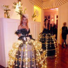 Porteuses de Champagne animation événementielle www.Bullissime.com