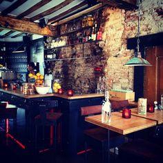 Talud 9 de borrelhotspot in Utrecht! Super leuke wijnbar maar ook gezellig voor koffie. Check de review: http://www.mytravelboektje.com/?p=328