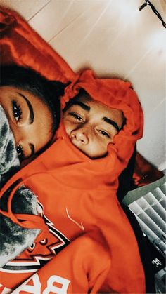 40 Sweet And Goofy Couples In Hoodies To Make You Wanna Fall In Love Right Now -. - 40 Sweet And Goofy Couples In Hoodies To Make You Wanna Fall In Love Right Now – Page 9 of 40 – Chic Hostess – Source by asjlqkq - Goofy Couples, Cute Couples Photos, Cute Couple Pictures, Best Friend Pictures, Cute Couples Goals, Romantic Couples, Beautiful Pictures, Teen Couples, Freaky Pictures