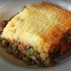 *MADE IT* Irish Shepherd's Pie (I used a bottle or Guinness and a can of beef broth instead of water and let it reduce. Also skipped the cream cheese and added a bit more butter and milk)