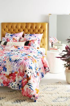 Lillian Farag floral duvet cover - How to give life to your interior with floral pattern? Mustard Bedding, Yellow Bedding, Floral Bedding, Yellow Headboard, Boho Bedding, Modern Bedding, Unique Bedding, Bright Bedding, Cream Bedding