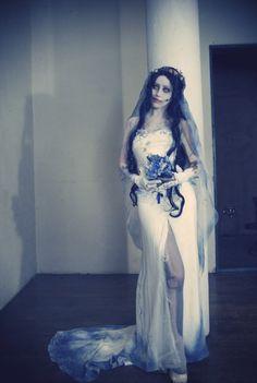 cosplayninja:  Here's a truly amazing take on Tim Burton's Corpse Bride by Mino.