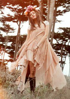 Pretty feminine boho chic flowing dress, modern hippie flower headband. For more Bohemian fashion trends FOLLOW http://www.pinterest.com/happygolicky/the-best-boho-chic-fashion-bohemian-jewelry-gypsy-/ now