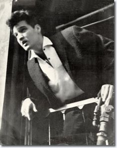 Elvis at the rear of a train enroute to Miami - March 1960