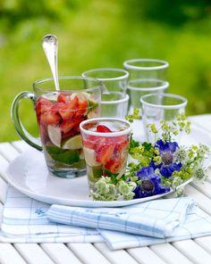 Lantliv Midsommar jordgubbs-capirinha