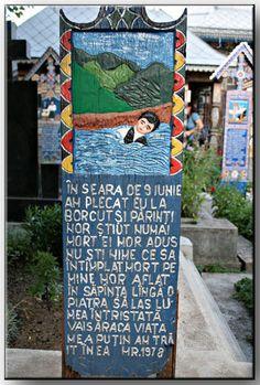 Le cimetière joyeux de SĂPÂNŢA (Roumanie)