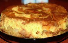 Cine nu iubeste crema de zahar ars? Iar daca o asezi pe un blat pufos si deasupra adaugi mere caramelizate, rezultatul va fi unul cu adevarat spectaculos. Suna bine, nu-i asa? Iata cum prepari tortul cu mere si crema de zahar ars. Un deliciu! Ingrediente: Sirop: 10 linguri de zahar tos. Crema: 8 oua, 1 … Romanian Food, Dessert Drinks, Desert Recipes, French Toast, Cooking Recipes, Yummy Food, Sweets, Baking, Breakfast