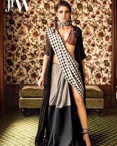 South Indian Actresses in Saree - 27 Beautiful look in Saree - Tikli Ethnic Fashion, Look Fashion, Indian Fashion, Saree Fashion, Fashion Women, Fashion Ideas, Indian Photoshoot, Saree Photoshoot, Saree Wearing Styles