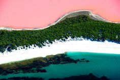 Unusual Pink Colored Lake Hillier in Australia