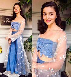 Are Meri Jann good night I love you Bollywood Dress, Indian Bollywood, Bollywood Stars, Bollywood Fashion, Designer Gowns, Indian Designer Wear, Indian Dresses, Indian Outfits, Alia Bhatt Lehenga