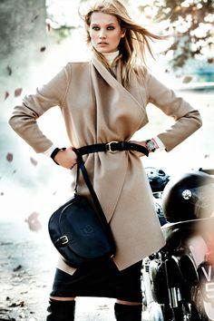 Massimo Dutti, love the coat~