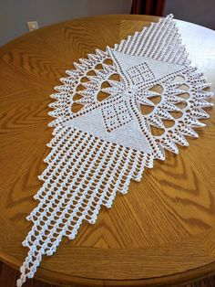 Diy Crafts - This beautiful handmade doily is made from white color cotton thread, size This elegant doily will look beautiful on any table or can Crochet Table Runner Pattern, Crochet Doily Patterns, Crochet Tablecloth, Crochet Motif, Crochet Doilies, Hand Crochet, Crochet Freetress, Diy Crafts Crochet, Pineapple Crochet