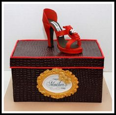 Jimmy Choo Mothers Day shoe box cake
