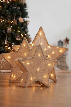 No one can deny the importance of holiday lights in both indoor and outdoor Christmas decorations. They have a unique ability to play a major role in Indoor Christmas Lights, Decorating With Christmas Lights, Outdoor Christmas Decorations, Holiday Lights, Light Decorations, Magical Christmas, Christmas Star, Christmas Crafts, Christmas Ornaments