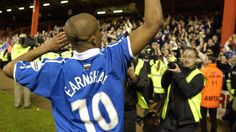 Cardiff City and Wales legend Robert Earnshaw retires at the beginning of 2016.